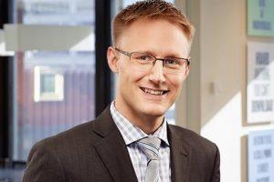 Jamie Becker, Senior Associate, Torys LLP