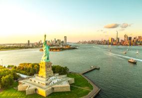 Statue of Liberty, Manhattan skyline