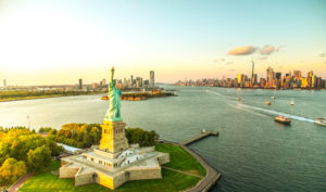 Statue of Liberty, Manhattan skyline