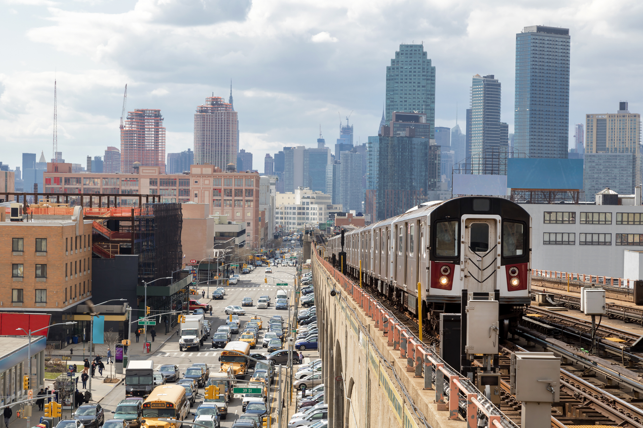 railway train manhattan skyline
