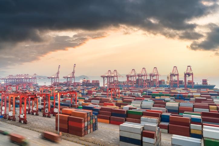 Cargo being unloaded in Shanghai port